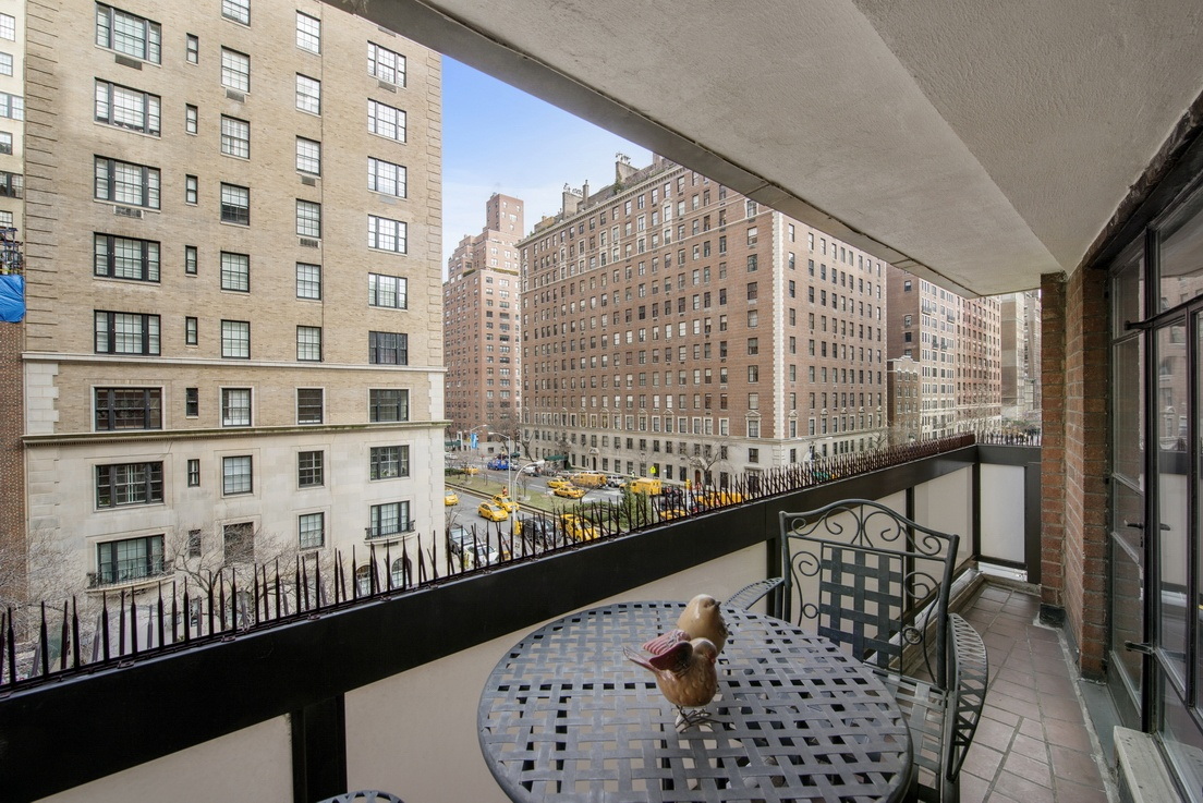 750 Park Avenue 5 E One Bedroom Home Office Terrace